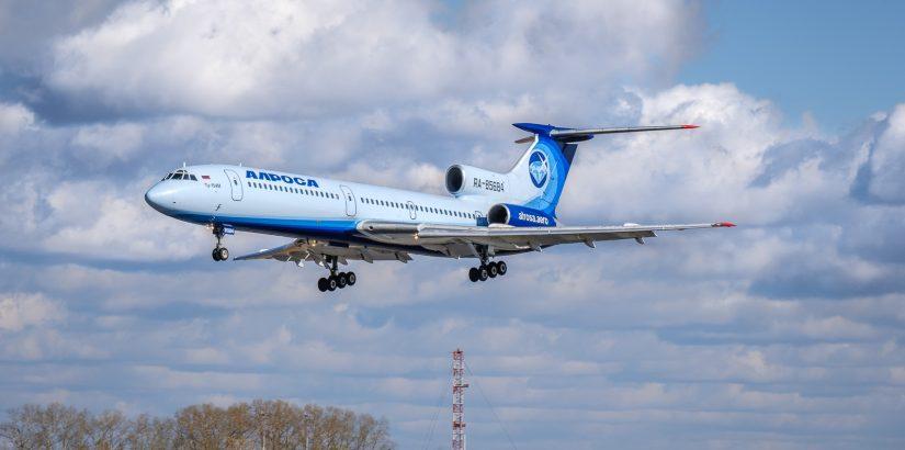 Легендарный Ту-154М «Ижма» авиакомпании «Алроса», переживший катастрофу в тайге прилетел в Толмачёво